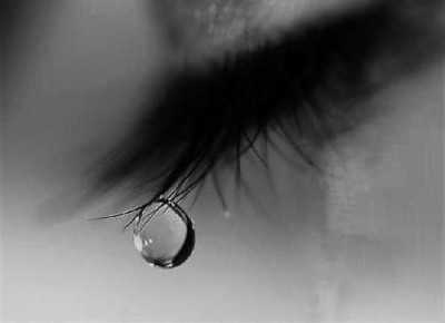 wo muje mehndi lage haath dikhakar royi tears hindi shayari